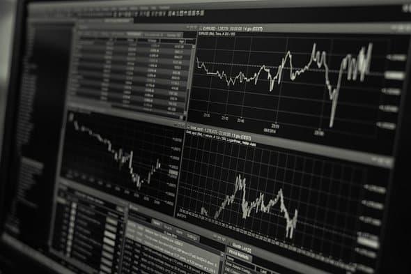 FAQ: Jaký je rozdíl mezi bitcoinovou směnárnou a burzou?