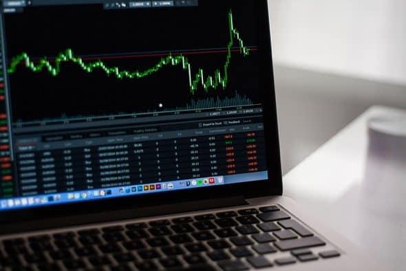 Trading kryptoměn od píky: kdo včervnu nic nedělal, nic nezkazil